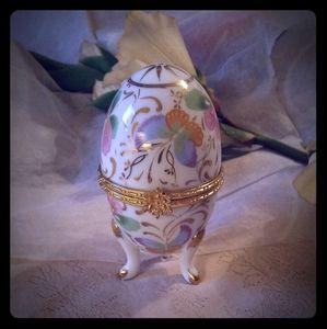 Vintage Formalities Hinged Egg-shaped Trinket Box